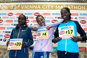 2016 Vienna City Marathon Vienna, Austria April 10, 2016 Photo: Victah Sailer@PhotoRun Victah1111@aol.com 631-291-3409 www.photorun.NET