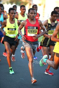 2015 Dubai Marathon Dubai, UAE      January 23, 2015 Photo: Giancarlo Colombo@PhotoRun Victah1111@aol.com 631-291-3409 www.photorun.NET